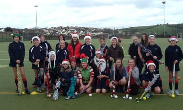 Year 7 & 8 Christmas Hockey session. The usual fun of hockey with some carols and tinsel thrown in too!
